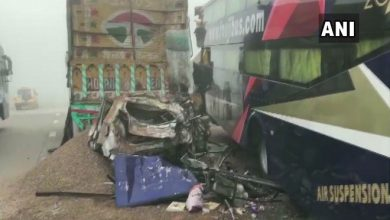 Photo of आगरा-लखनऊ एक्सप्रेस-वे पर ट्रक से टकराई कार, छह लोगों की मौत